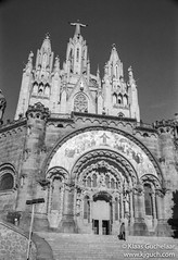 Ilford Delta17 (Klaas / KJGuch.com) Tags: barcelona leica trip travel vacation blackandwhite church architecture blackwhite traveling ilford ilforddelta400 tibidabo leicacamera leicam6 citytrip summicron50mm ilforddelta filmisnotdead summicron35mm analogfilm leicasummicron istillshootfilm analofphotography