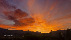 amanecer 27.12.15 (moli_jarrillero) Tags: amanecer nubes cielos montaas paisajes aire libre montaa paisaje arquitectura sol airelibre cielo