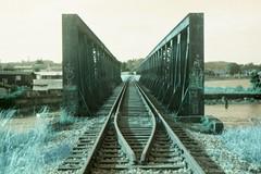 (vlΛиco iиvierиo) Tags: chile bridge film train 35mm trenes lomo lomography turquoise south m42 sur zenit turquesa punte