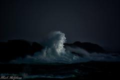 Wave In Sun (mark.helfthewes) Tags: ocean storm rock coast meer natur wave welle felsen kueste lichtundschatten meerundlicht