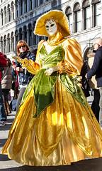 Carnaval de Venise 2015-0775 (yvesw_photographies) Tags: carnival costumes italy de italia parade carnaval venise carnevale venezia venedig carneval italie venitian masque costumi 2015 costumé vénitien