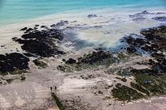 Vue sur la plage (Lucille-bs) Tags: mer france nature europe turquoise sable deux normandie plage vue rocher lamanche seinemaritime paysdecaux stvalryencaux ctedalbtre