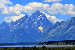 Jackson Lake (Patricia Henschen) Tags: mountains clouds wyoming grandtetons tetons grandtetonnationalpark jacksonlake