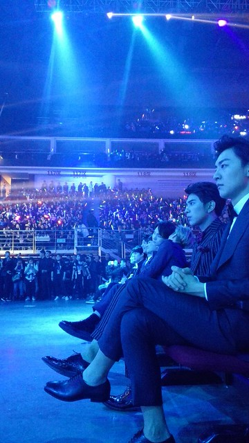 160329 SHINee @ 2016 KU Asia Music Awards' 25590798923_0964ce8562_z