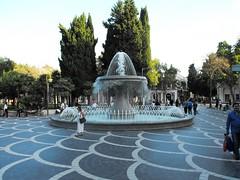 Baku, September 2010 (leonyaakov) Tags: park travel water fountain cityscape streetphotography baku azerbaijan promenade caucasus sunnyday capitalcity citytour