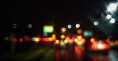 Algumas gotas enquanto chove (marciojodai) Tags: city brazil rain lights bokeh sopaulo chuva luzes transito