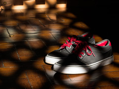 Vans (AdrianoSetimo) Tags: red composition lumix shoe bedroom shoes shadows sombra depthoffield panasonic vermelho footwear vans casual quarto cho chambre sombras lightandshadow profundidadedecampo helios shoelace piso tnis composio cobog calado helios44 cadaro helios58mm helios44m4 luzesombra vansoffthewall gx7 lumixgx7 panasonicgx7 panasonicdmcgx7