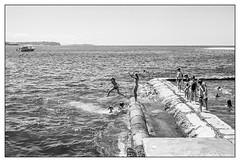 last days of summer  #575 (lynnb's snaps) Tags: ocean street summer bw film beach water coast jumping play manly sydney swimmers 2016 fomapan200 leicaiiic cv35mmf25 fomadonlqn
