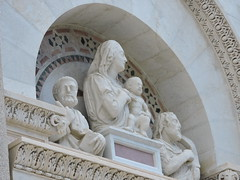 Torre di Pisa, Pisa (Dimitris Graffin) Tags: sculpture tower torre pisa leaning pendente madonnacolbambino