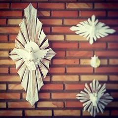 Mexe pra l, mexe pra c... mudou!  Esplendor comprido... fica lindo em pilastras ou naquele pedacinho de parede que voc no sabe o que colocar.  #artesanal #artesanato #artesanatomineiro #decorao #decorar #decoracao #decoraomineira #casa #divinoespi (fabriciabarcelos) Tags: casa artesanato artesanal decorao decoracao divino decorar artesanatomineiro divinoespiritosanto casamineira decoraomineira