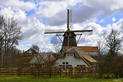 In the Country it is Peaceful (JaapCom) Tags: holland mill landscape moulin mhle landschaft landed dutchnetherlands farmhause jaapcom