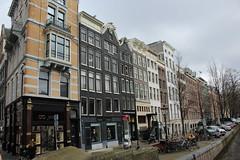 Amsterdam, corner Herengracht - Koningsplein (Davydutchy) Tags: holland netherlands amsterdam canal capital hauptstadt nederland paysbas niederlande gracht hoofdstad