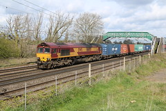 66005 @ Cholton near Crewe (uksean13) Tags: train canon cheshire diesel transport railway loco crewe locomotive freight dbs ews ef28135mmf3556isusm 66005 dbschenker 760d