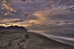 Cabo de Gata (Aristides Díaz) Tags: amanecer mar montaña nubes playa cabodegata photomatrix nikkor1855afsged