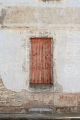 le volet (Steph Blin) Tags: france window 03 shutters maison fentre faade auvergne volet laguillermie