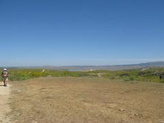 Ein See am Horizont. Das Etappenziel (pilgerbilder) Tags: pilgern pilgerfahrt pilgertagebuch vadellaplata cceresalcntara
