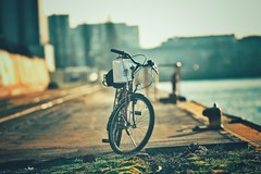 Old Bike... (hobbit68) Tags: old sky bike clouds port canon river wasser outdoor alt frankfurt sommer main himmel wolken fluss sonne industrie gebäude fahrrad sonnenschein gleisen