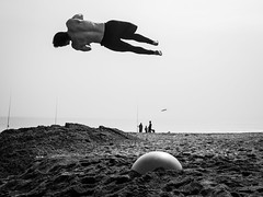 Mlaga beach gymnastics (rolandwalter) Tags: beach yoga ball spain trampoline gymnastics fitness malaga