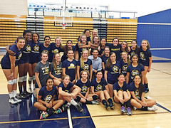 CH20160323-022.jpg (Menlo Photo Bank) Tags: ca girls people usa man game fall sports students court us maddie aya olivia katie event tina volleyball morgan francie atherton payton 2016 upperschool sianna steveyoung largegroup menloschool athleticcenter formalgroupphoto photobycarolhamilton