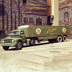 1951 Ford F-8 truck with a Vernors trailer on the back. (biglinc71) Tags: ford truck back with trailer f8 1951 vernors