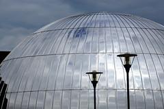 """""""Tombeau"""" de Jacques Sys (Jean-Luc Lopoldi) Tags: universit ciel miroir reflets lampadaires sphre architecturecontemporaine"""