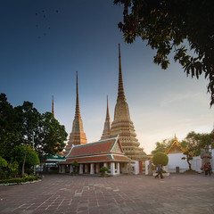 Wat Pho (sarayutsridee) Tags: old sunset sky building architecture thailand temple gold pagoda twilight asia bangkok stupa traditional culture buddhism thai wat
