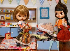 Valentina, are you sure we can bring along so many outfits??? I clearly heard Ma say that we need to travel light!!!