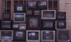 """J134/365  """"vision tlvision"""" (manon.ternes) Tags: pink paris girl strange project photography weird tv student photographie expo photos grunge exposition 365 fille bizarre challenge tl cin tlvision cinma projet cran parisienne tudiante 365days 365project projet365 centquatre 104paris"""