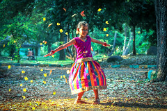 ( ) (VENGAT SIVA) Tags: playing girl rural evening village traditional ngc streetphotography games evergreen roadside tamilnadu pondicherry roi indianstreetphotography rootsofindia aadukalam