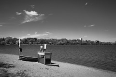 _DSC0156 Minneapolis, Minnesota USA (POV Heartland) Tags: urban bw lake minnesota zeiss sony minneapolis e twincities fe carlzeiss lakecalhoun a7ii loxia sonyalpha a7m2 loxia235 loxiaf235mm loxiaf235