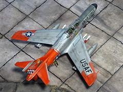 1:72 Lockheed F-94E Starfire, aircraft FA 880/Bu. No. 56-0880  of the 57th FIS Black Knights, US Air Forces Iceland, Keflavik AB, 1959 (Whif/Emhar kit conversion) (dizzyfugu) Tags: orange snow cold metal iceland wings model war fighter conversion north ab evolution 63 retro international falcon finish heller starfire kit keflavik f80 usaf 172 interceptor squadron 57th silber whatif modellbau t33 afterburner nmf p80 whif f94 kitbashing f68 j48 gam1 aim4 gam2 dizzyfugu emhar
