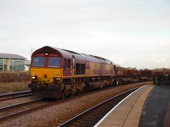 DBS 66016 @ Thornaby (Sim0nTrains Photos) Tags: dbs class66 ews diesellocomotive 66016 dbschenker durhamcoastline thornabyrailwaystation 6d05 thedurhamcoastline