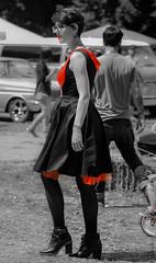 DSC_0797 (La Marquise de Jade) Tags: woman monochrome rouge gris noir noiretblanc robe femme rockabilly blanc couleur talons fminine slective