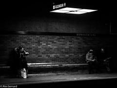 En marge de la lumière (alex.bernard) Tags: light blackandwhite bw canada canon underground subway montréal noiretblanc lumière métro streetphotography québec tamron métrodemontréal montrealsubway tamron2470 canon5diii stationbonaventure