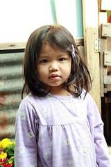 pretty girl (the foreign photographer - ฝรั่งถ่) Tags: girl portraits canon thailand kiss pretty child bangkok khlong bangkhen thanon 400d