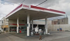 ESSO Servicentro - Estacin de servicio (EDL-Funes) Tags: uruguay gasstation esso exxon petrolstation gasolinera fillingstation exxonmobil estacindeservicio paysand