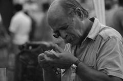 Tasador (Miler B) Tags: people blackandwhite blanco sol argentina de y gente negro ciudad social mercado verano rosario reloj caminata domingo bnw tarde calor blasco miler bigote antigedades recorriendo tasador