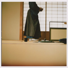 insta045 (sudoTakeshi) Tags: film japan tokyo kodak traditional hasselblad 500c teaceremony filmcamera portra planar kodakfilm carlzeiss nezu  japanesetea  kodakportra400  filmcameras  kodakportra  hasselblad500c  planar80mm  carlzeissplanar planar80