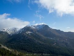 La Maliciosa (Alejandro Hernández Valbuena) Tags: snow mountains landscape peaks guadarrama maliciosa