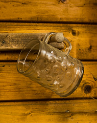 vergessenes Glas (zwergox) Tags: beer glass found lost alt leer bier glas krug vergessen bierglas bierkrug zoigl glaskrug
