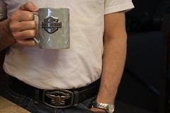 Week 7 - Faceless (elistauth) Tags: white coffee shirt belt harley faceless davidson buckle