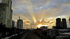 Por do Sol Urbano (Antonio Marin Jr) Tags: sunset pordosol sol do sopaulo urbano por entardecer pordosolurbano pordosolemsopaulo antoniomarinjr