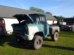 Short-Tall Chevy Cabover 00 (thorssoli) Tags: chevrolet pickup ridiculous coe cabover shorttall caboverengine