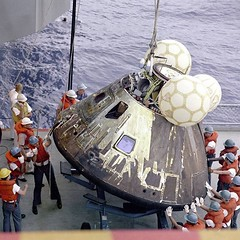 Recovering the Apollo 13 Command Module shortly after splashdown 1970 [1500x1500] #HistoryPorn #history #retro http://ift.tt/1SxkBGV (Histolines) Tags: history retro timeline after 1970 13 apollo command module shortly splashdown recovering vinatage historyporn 1500x1500 histolines httpifttt1sxkbgv