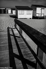 2854 - Calais, 2015 (ikaune) Tags: leica shadow blackandwhite bw monochrome digital noiretblanc nb ombre numrique calais m9 cabines ikaune