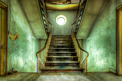 Stair of Chateau d'Ah | BE 2014) (Fotografie Etienne Hessels) Tags: urban house abandoned lost photography europa europe moments  foto fotografie photographie belgium belgique belgie sony exploring explorer coucher haus indoor photograph urbanexploration chateau exploration chambre etienne dah oud hdr fixes vieux intrieur ue verlassen schlafzimmer belgien urbain urbex substance verboden urbaine interdit abandonn hessels bels huize vanished verlaten dlabr stdtisch verschwunden vervallen momente disparu laisser explorationurbaine erforschen urbainexploration sonyflickraward chateaudah correctifs