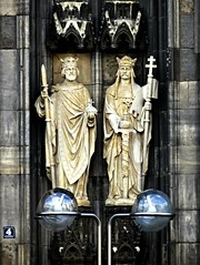 Kln (gerben more) Tags: two art church statue streetlight 4 religion crown