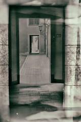 (Px4u by Team Cu29) Tags: mnchen licht fenster tor laterne tr perspektive hinterhof leuchte residenz durchgang strase residenzstrase adelssitz strasenflucht