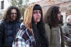 zombie walking venezia 2016 (Francesco Fiorentini) Tags: venice walking blood italia zombie laguna venise carnevale venezia splatter sangue maschera trucco morti zattere viventi putrefatti