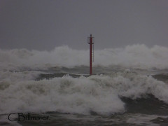 P1020195 (Cintia Billmaier.) Tags: strand mar meer marejada playa welle ola cantabria suances arbolada lumixtz60
